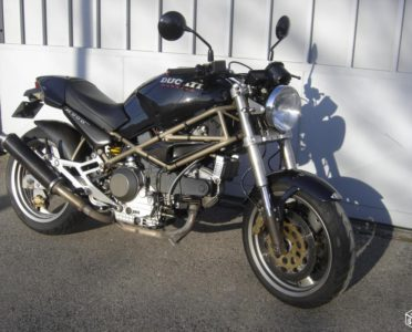 Ducati 900 Monster 97 ( Keihin fcr 41 / pots)